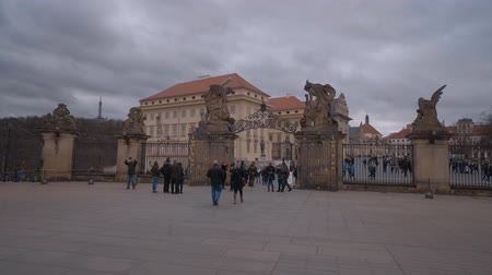 zegar : Big square at Prague Castle Wideo