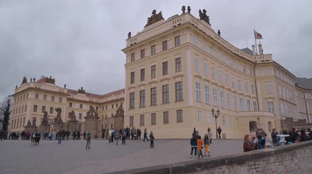 çek cumhuriyeti : Famous Prague Castle - beautiful square