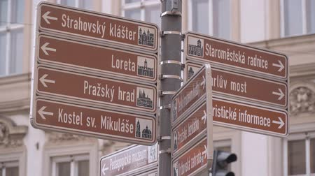 Československo : Direction signs in the streets of Prague