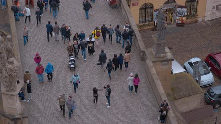 Československo : Plenty of tourists walking on Charles Bridge - a popular place in the city center