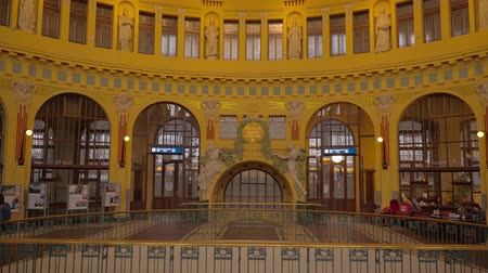 Československo : Prague Central station - main lobby