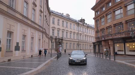 Československo : Prague street view at city center on a rainy day Dostupné videozáznamy