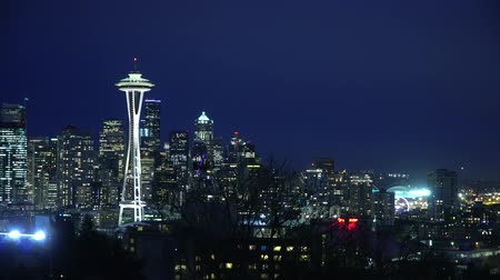 západ : Seattle and Space needle - amazing view from Kerry Park - SEATTLE  WASHINGTON - APRIL 12, 2017