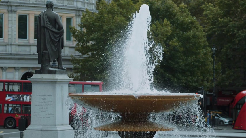 multirracial : The fountains at Trafalgar Square in London in Slow Motion