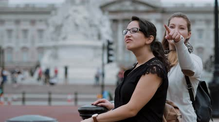 multirracial : Visiting London - two friends on a sightseeing trip