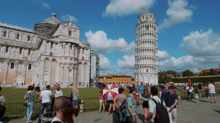 turistik : Most famous tourist attraction in Pisa - The Leaning Tower - PISA TUSCANY ITALY - SEPTEMBER 13, 2017