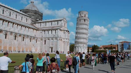renesans : The famous tower of Pisa - important landmark in Tuscany - PISA TUSCANY ITALY - SEPTEMBER 13, 2017