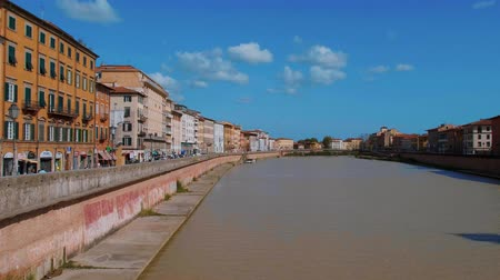 turistik : River Arno in the city of Pisa on a wonderful day - PISA TUSCANY ITALY - SEPTEMBER 13, 2017
