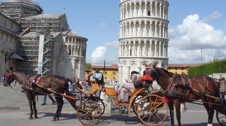 turistik : The famous tower of Pisa - important landmark in Tuscany - PISA  TUSCANY ITALY - SEPTEMBER 12, 2017