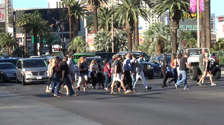 blackjack : Group of people crossing the Las Vegas Boulevard - USA 2017