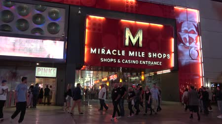 азартная игра : Miracle Mile Shops at Planet Hollywood Hotel and Casino in Las Vegas - USA 2017