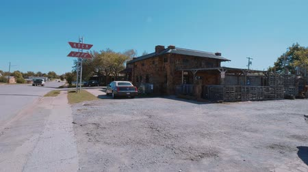 schuur : Mooie Rock Cafe op Route 66 in Oklahoma - Verenigde Staten 2017 Stockvideo