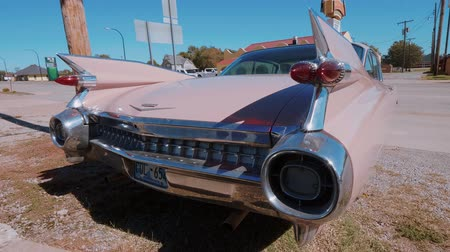 oklahoma : Classic American Oldtimer Car like Pink Cadillac at Route 66 - USA 2017