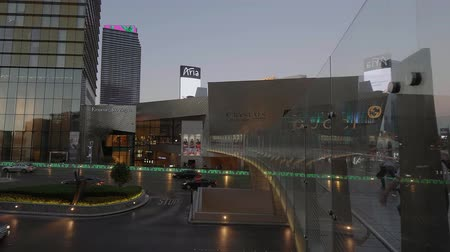 blackjack : Pedestrian Bidge to Crystals at Las Vegas Strip - USA 2017