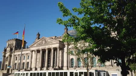 kolumny : German Reichtstag Parliament building in Berlin Wideo