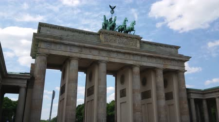 kolumna : Famous landmark in Berlin - The Brandenburg Gate called Brandenburger Tor