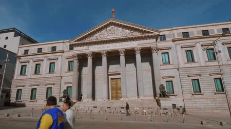 Мадрид : The Assembly Building in Madrid called Congreso de los disputados - parliament building Стоковые видеозаписи