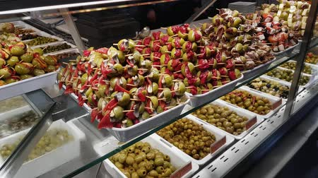 król : Delicious olives at San Miguel Market hall in Madrid