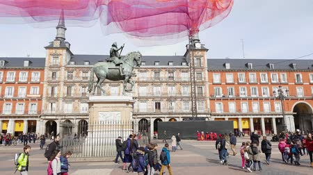 králové : Most famous Square in Madrid called Plaza Major