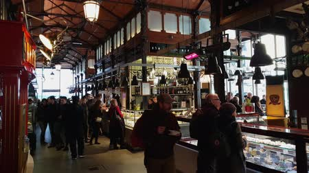 Мадрид : Beautiful Market Hall in Madrid - the famous Mercado de San Miguel