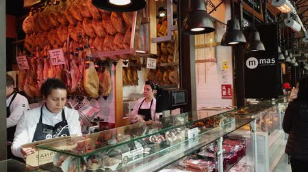 építészeti : Spanish ham at Mercado de San Miguel market hall in Madrid
