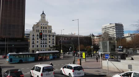 król : Street traffic in the city of Madrid