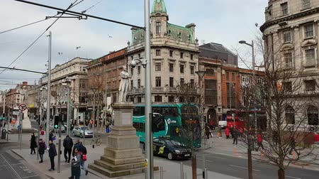 irsko : O Connell Street in Dublin - famous boulevard in the city center