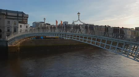 icônico : Most iconic landmark in Dublin - The Ha Penny Bridge