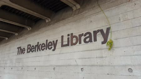 lugar famoso : The Berkeley Library at Trinity College Dublin