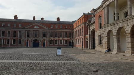 pedestre : Dublin Castle - a famous landmark in the city