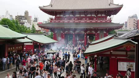 moderno : Most famous temple in Tokyo - The Senso-Ji Temple in Asakusa - TOKYO  JAPAN - JUNE 12, 2018