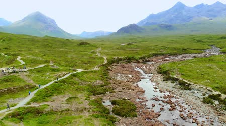 geologia : Flight over famous Sligachan Bridge on the Isle of Skye