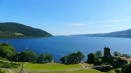 bretanha : Urquhart Castle at Loch Ness in the Scottish Highlands - aerial view