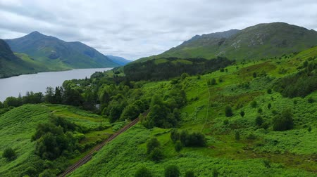 bretanha : Wonderful landscape at Loch Shiel in Scotland - aerial drone flights Vídeos