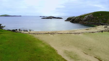 geologia : Beautiful Sheigra Beach and cliffs at Shegra North Scotland Wideo