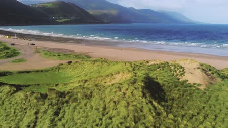 irlanda : Beautiful coastline of Ireland from above Vídeos