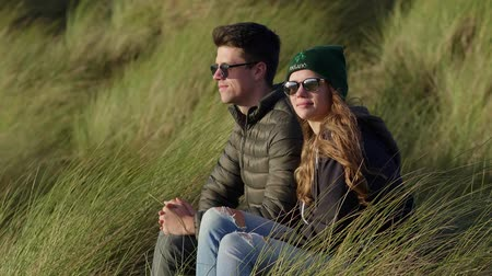 kerry : Young and happy couple travels to Ireland Stock Footage