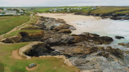 английский парк : Wonderful landscape of the coast of Cornwall at the Celtic Sea - aerial drone flight