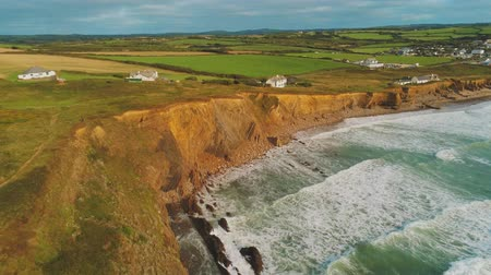 cornualha : Typical view over the Coastline of Cornwall - flight over wonderful landscape