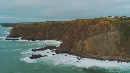 cornualha : The amazing Coast of Cornwall England with its rocky cliffs
