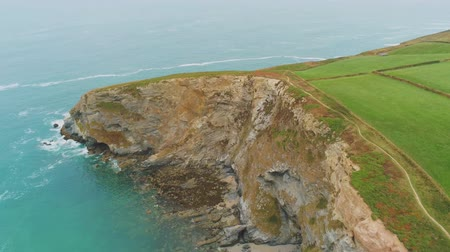 cornovaglia : Typical view over the Coastline of Cornwall - flight over wonderful landscape