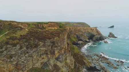 cornualha : Flight along the cliffs of Cornwall - wonderful aerial view over the landscape Vídeos