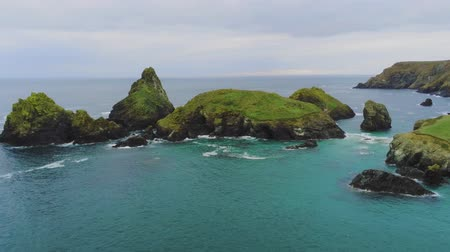 malebný : Wonderful landscape of the coast of Cornwall at the Celtic Sea - aerial drone flight