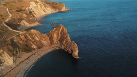 venkovský : Wonderful British coastline at Devon - Durdle Door