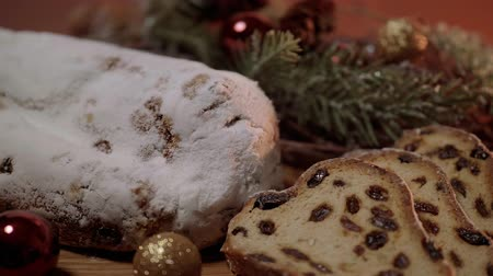 изюм : Traditional Christmas stollen - the famous cake for XMas Стоковые видеозаписи