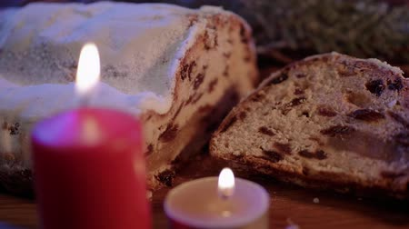 pão de especiarias : Fresh from the Christmas bakery - the traditional stollen Stock Footage