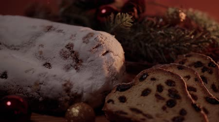 pão de especiarias : Christmas stollen the famous Christmas cake for holidays Stock Footage