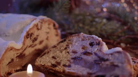 慶典 : Fresh from the Christmas bakery - the traditional stollen 影像素材