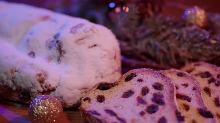 специи : The traditional Christmas cake from Germany the famous stollen