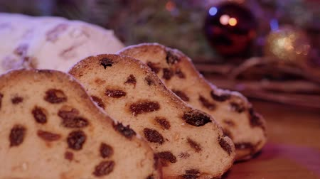 rodzynki : Close up shot of Christmas stollen